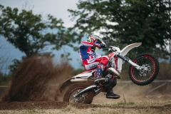 2019 125 RR Action 1