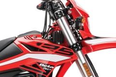 2019 125 RR-S Triple Clamp Detail