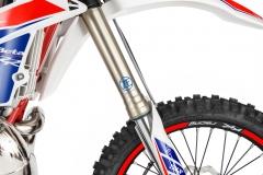 2019 2-Stroke Front Forks Detail