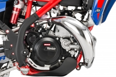 2020-Xtrainer-Engine-Right-Detail Hi Res